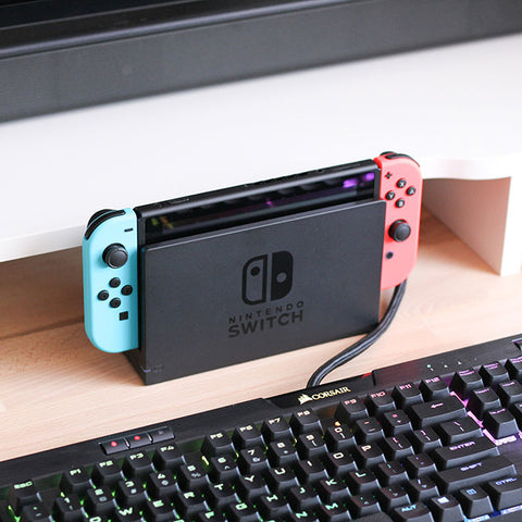 nintendo swith on the charging stand