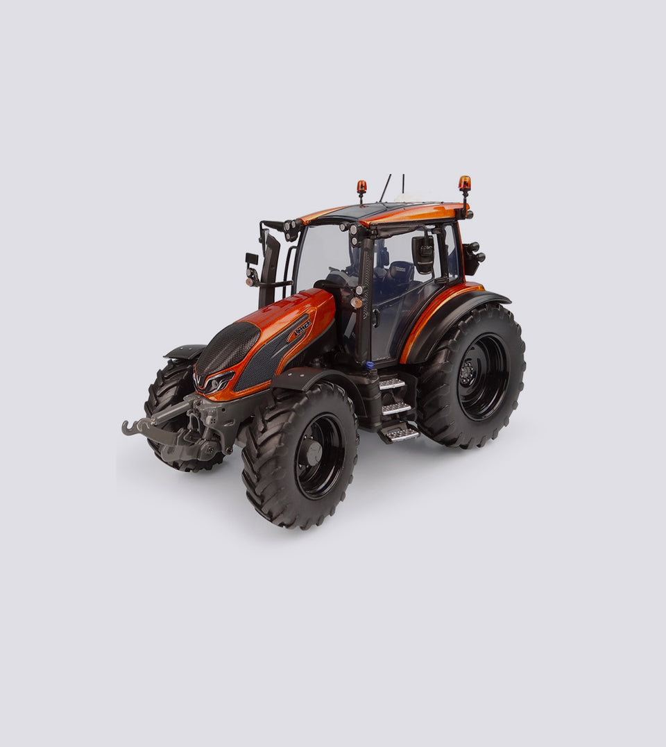 Valtra G 135 Burnt Orange Limited Edition - Universal Hobbies (1:32)