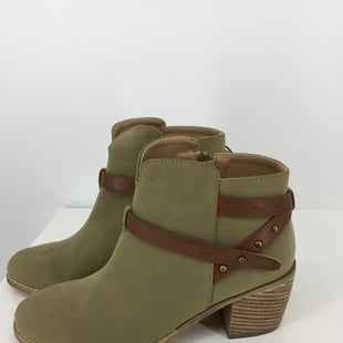 Primary Photo - BRAND: MICHAEL ANTONIO STYLE: BOOTS ANKLE COLOR: OLIVE SIZE: 8 OTHER INFO: NEW! SKU: 128-4337-2830