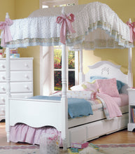 Load image into Gallery viewer, Carolina Cottage Princess Bed | Made in the USA
