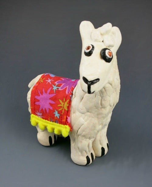 Sculpt a 3D llama sculpture with Activ-Clay air dry clay!
