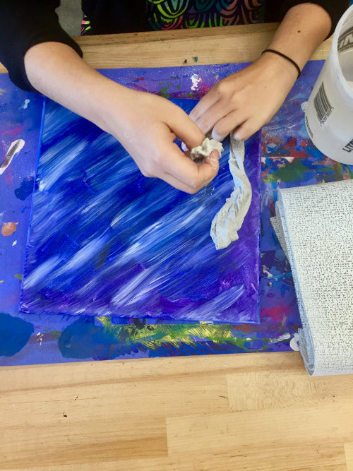 Use Rigid Wrap to create coral and seaweed on the 3D under the sea art.