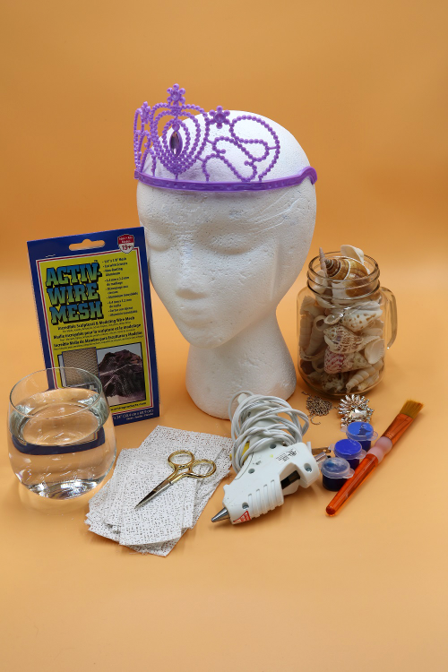 It's easy to make a mermaid crown with real seashells!  Get the project details in this post!