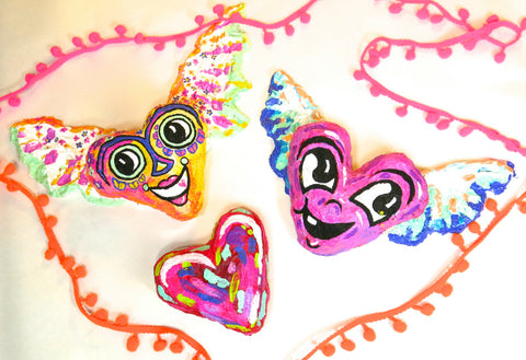 Make beautiful and colorful hearts for Valentine's Day with paper clay paper mache!
