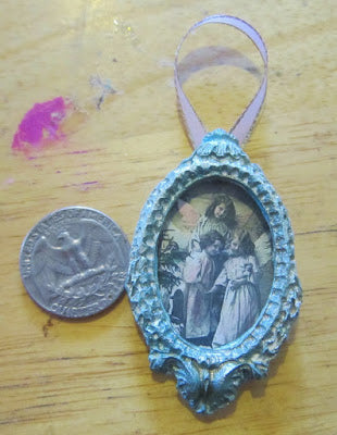add picture to miniature paper mache frame