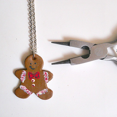 ginger bread men jewelry with clay