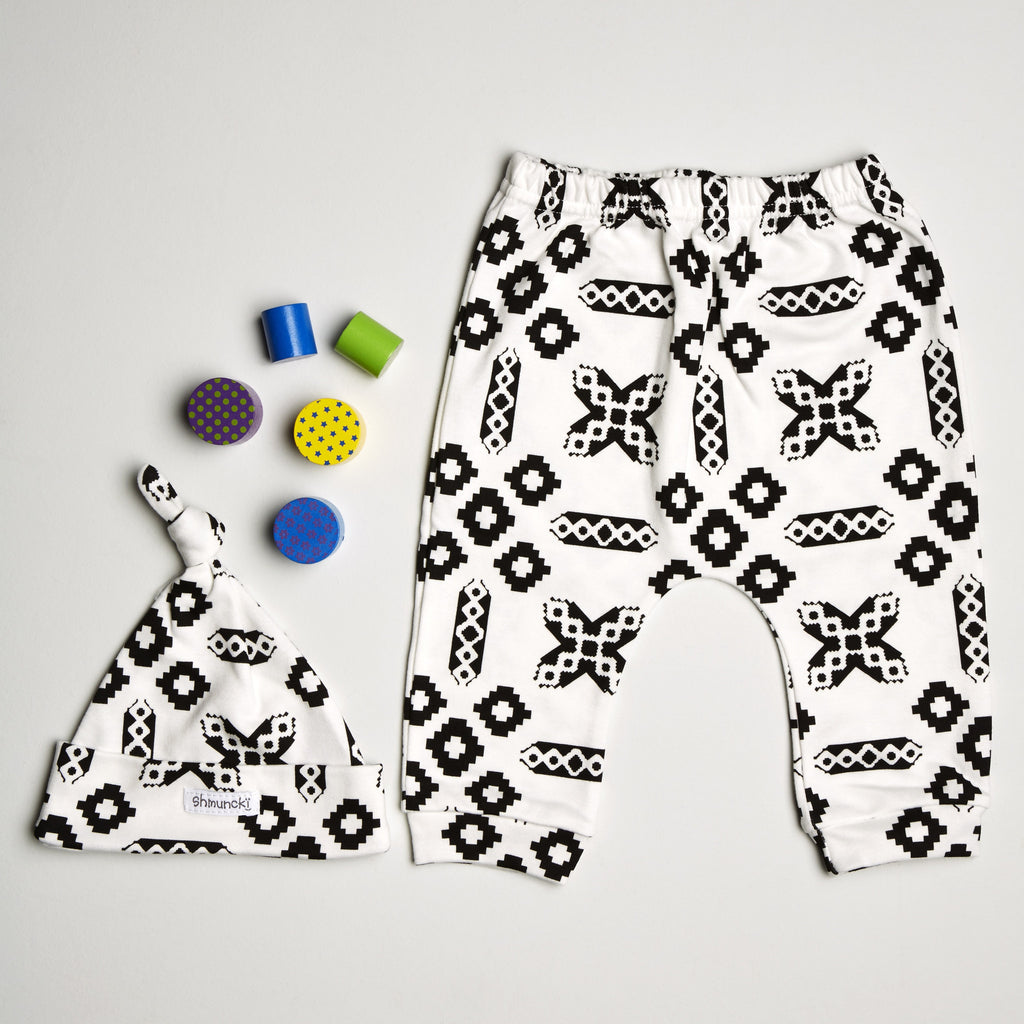 monochrome baby clothes, new baby gift sets