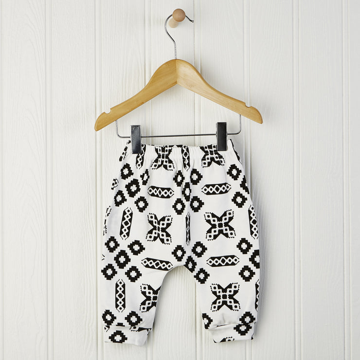 newborn baby leggings in black and white print