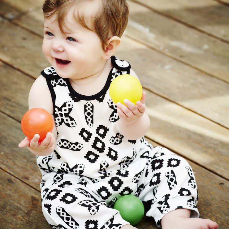 black and white newborn baby clothes