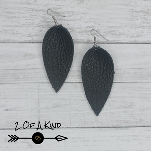Black pinched leaf leather earrings