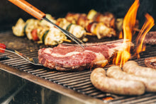 Laden Sie das Bild in den Galerie-Viewer, Exquisite Grillbox: BBQ Brechts Selection