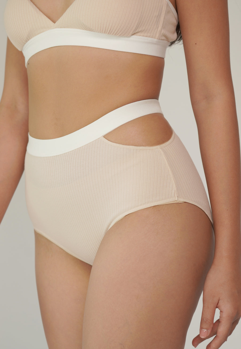 MOLLY BRIEF beige