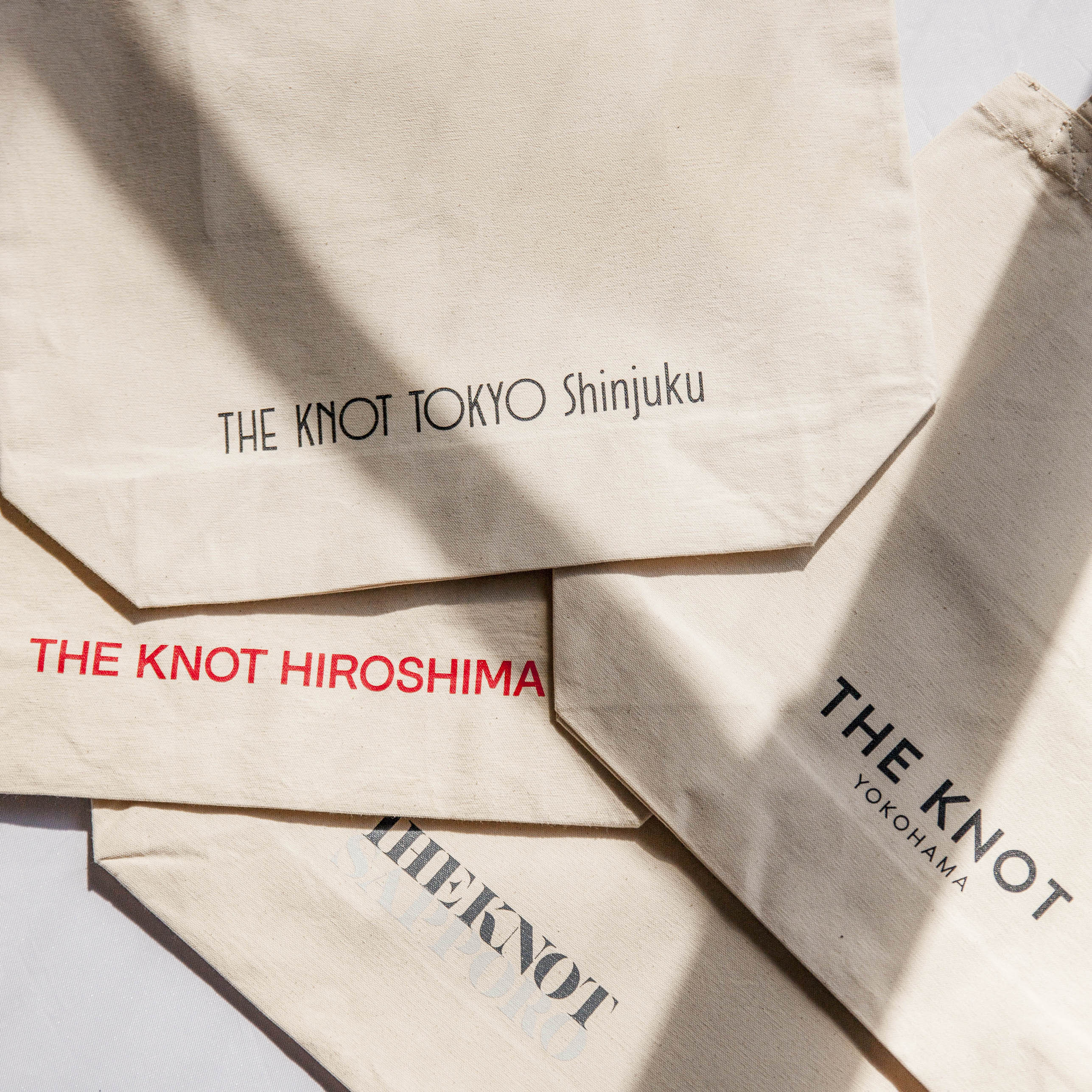 THE KNOTトート