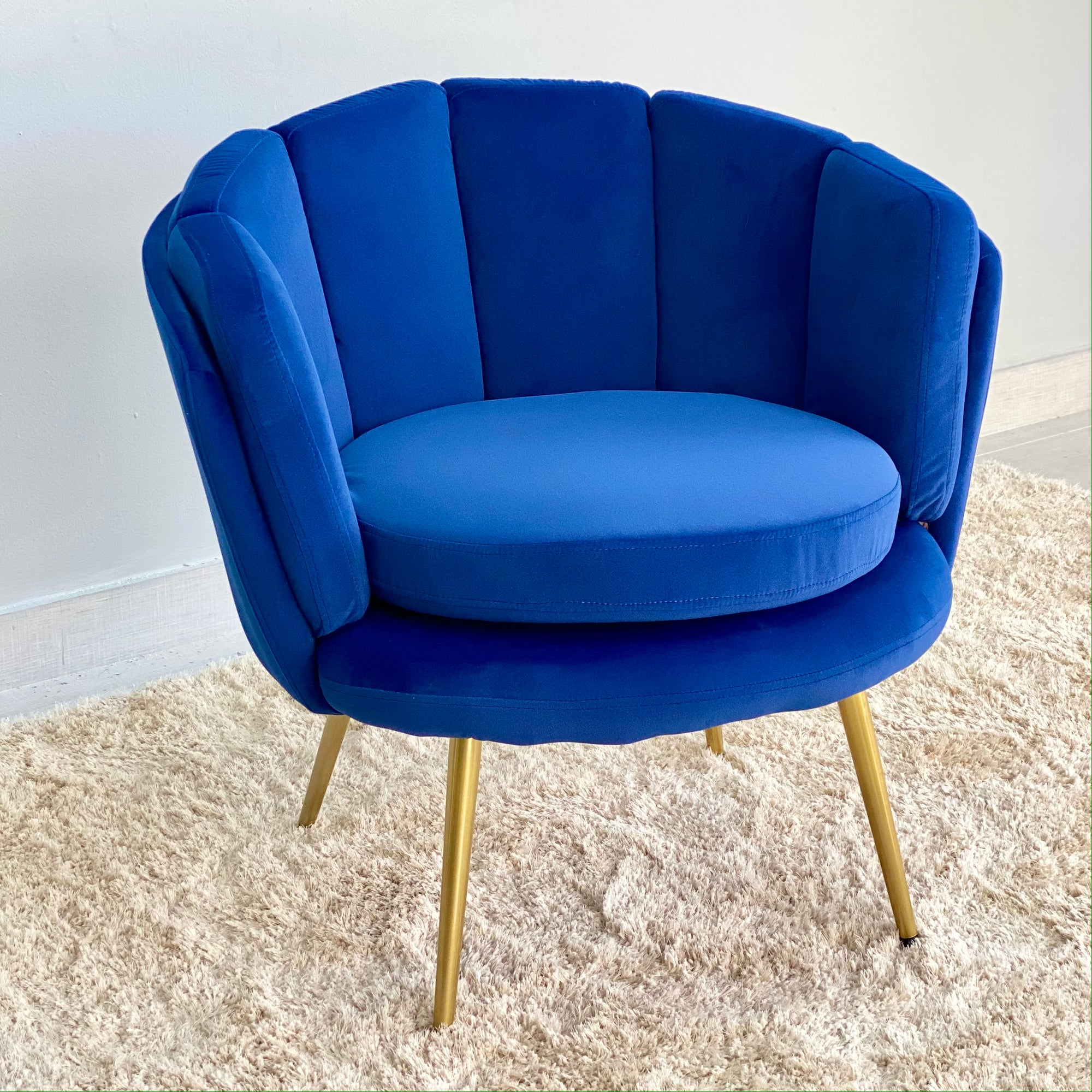 Classic Blue Shell Shaped Chair