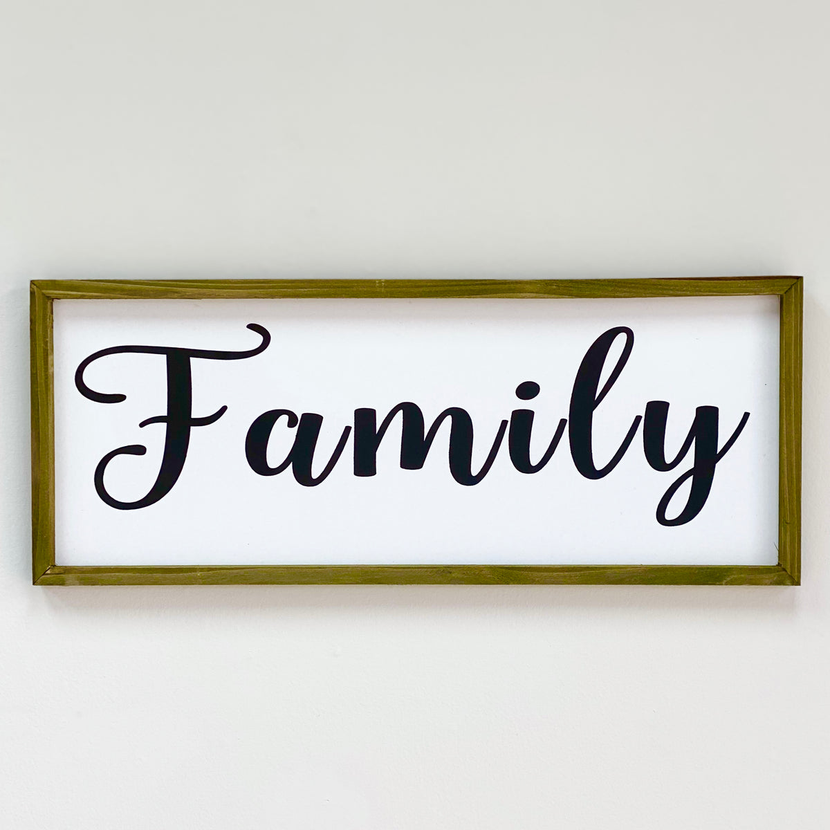"Wood Wall Art Cursive ""Family"""