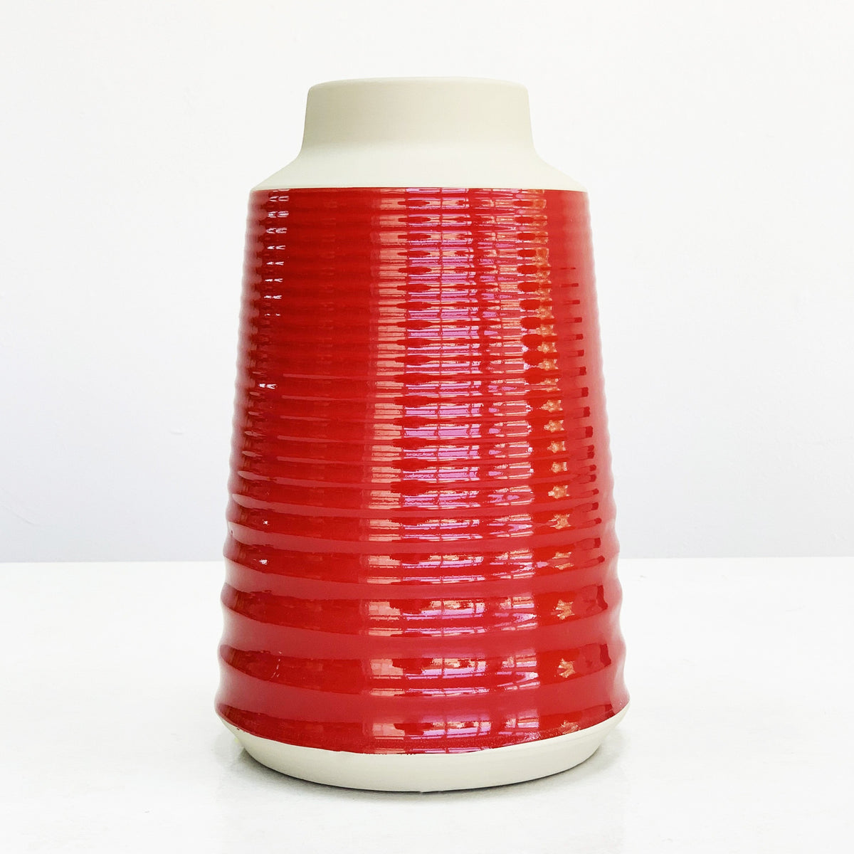 Giles Red Gloss Finish Vase