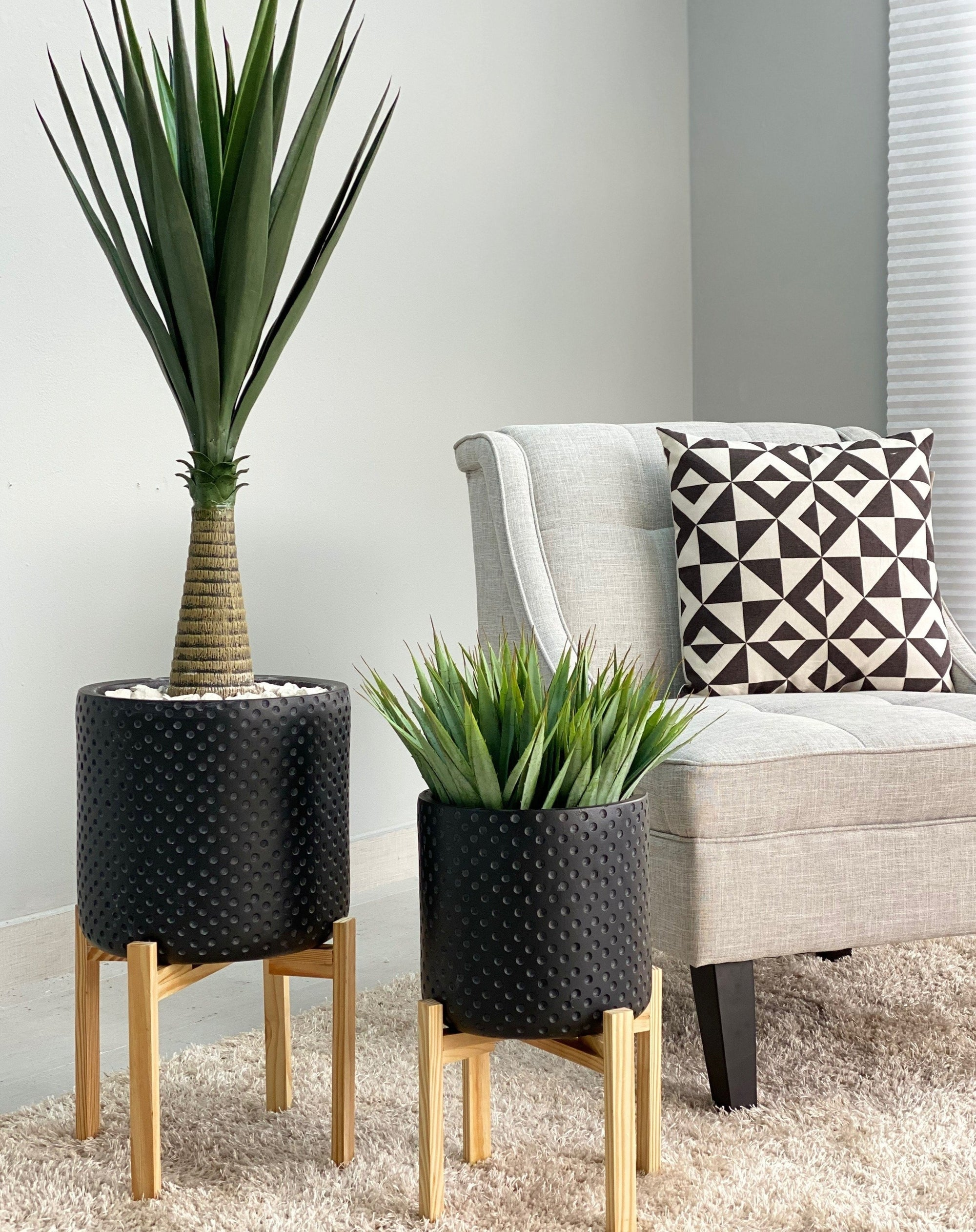 Fiber Clay Round Black Dots Planter Set