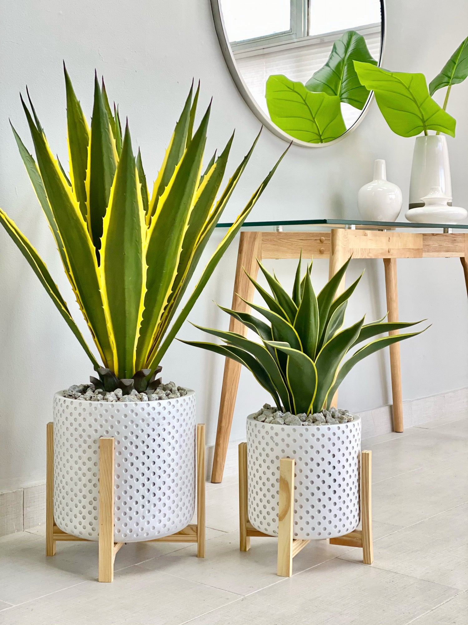 Fiber Clay Round White Dots Planter Set