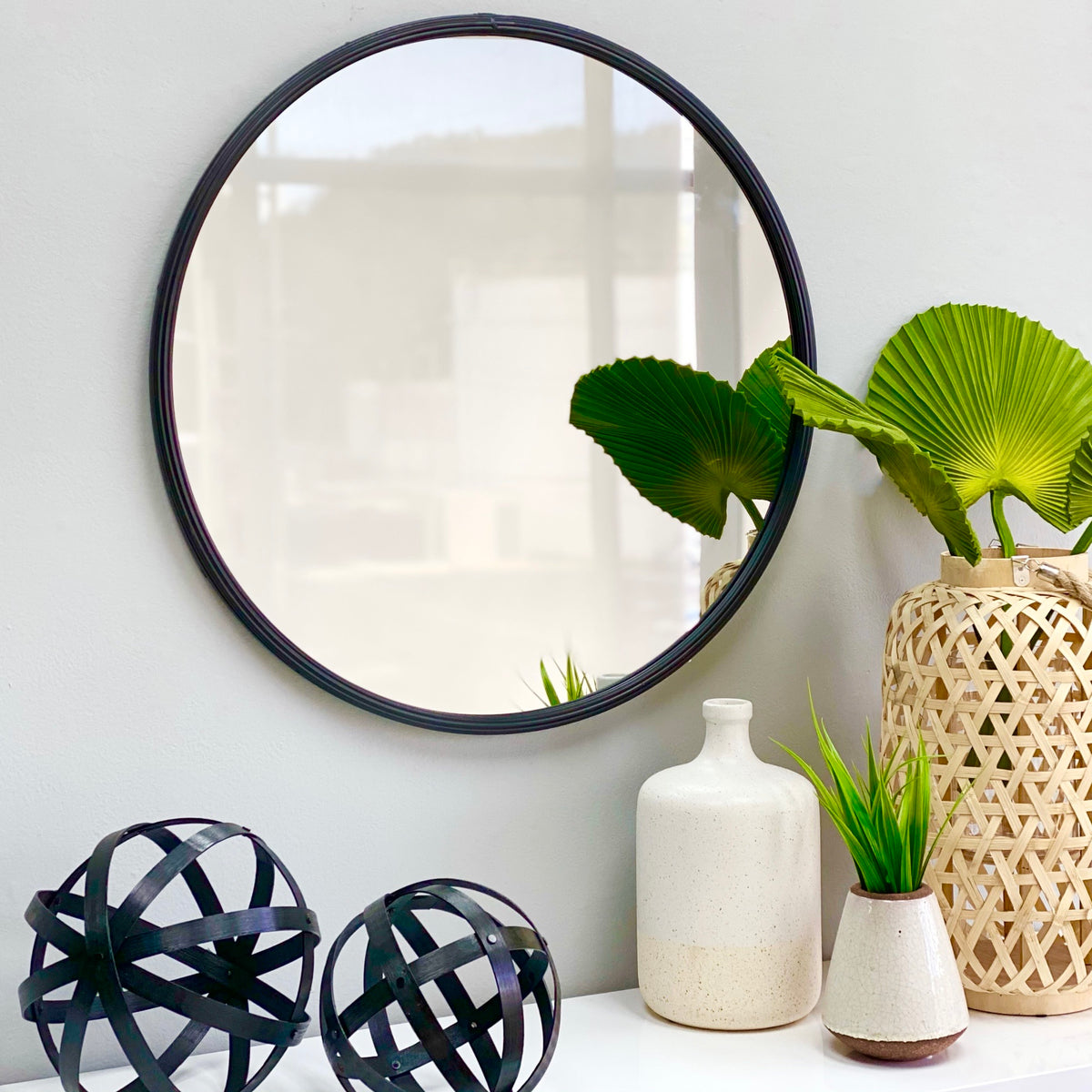 "Metal Black Frame 28"" Round Mirror"