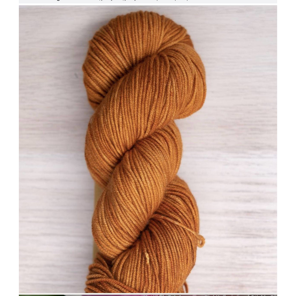 Juicy DK in 'Porch Pumpkin' - Shoptinkknit