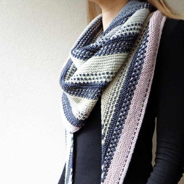 STONE LAYERS SHAWL KIT from SUNSHINE YARNS in Cozy Gradient Colors by Lisa Hannes - Shoptinkknit