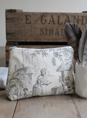 Manoir Toile Small Washbag