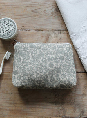 Summer Lea Manoir Grey Small Washbag