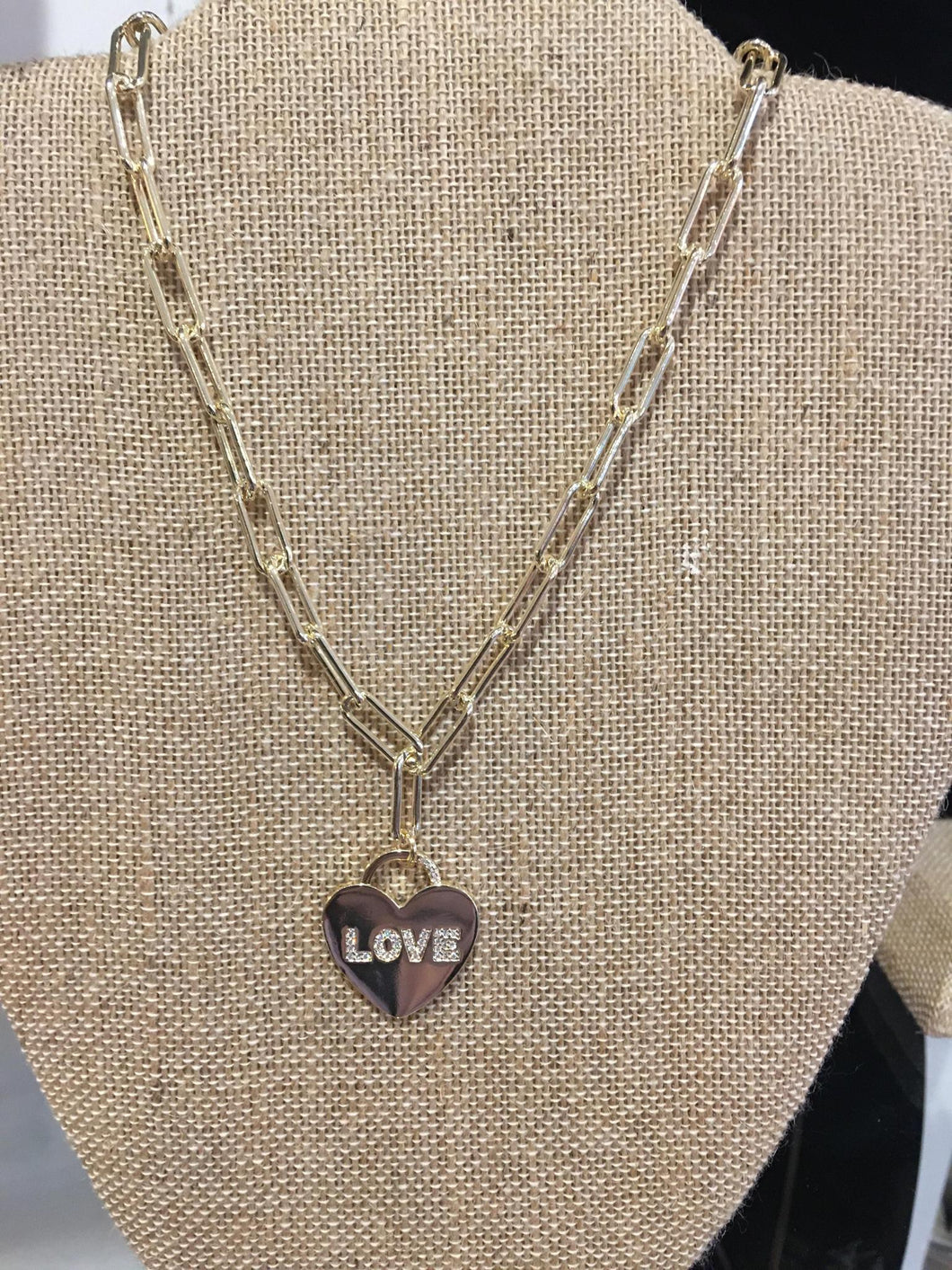 MX Signature Collection Chain Heart Necklace