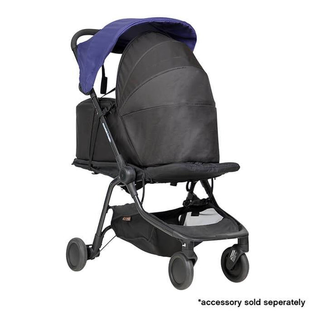 mountain buggy nano  travel buggy de couleur bleu nautique avec nouveau-né cocon_nautical-blue
