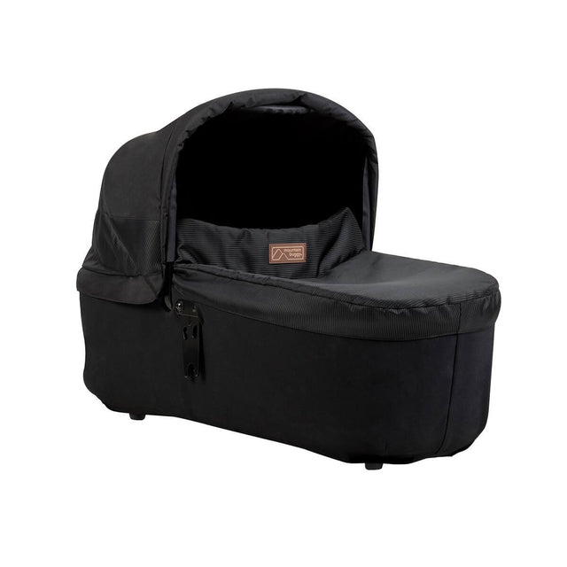 Mountain Buggy carrycot plus in colour onyx_onyx