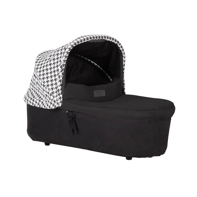 mountain buggy swift and mini carrycot plus in lie flat mode 3/4 view shown in color pepita_pepita