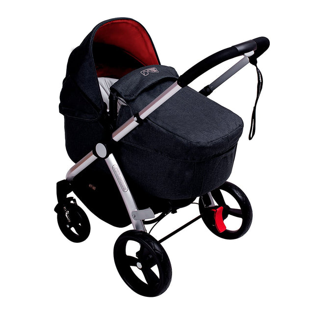 Mountain Buggy pre-2017 cosmoploitan carrycot attached to the cosmopolitan buggy_black