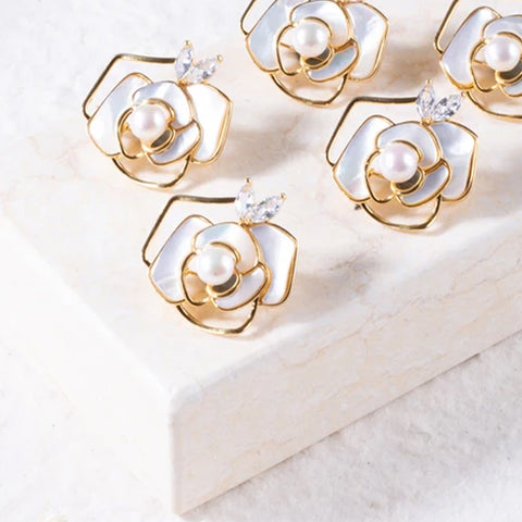 handcrafted pearl jewelry by Jade Moon Co