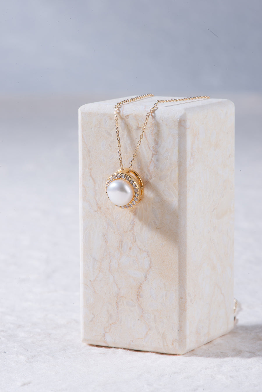 Charm Pearl Pendant Necklace