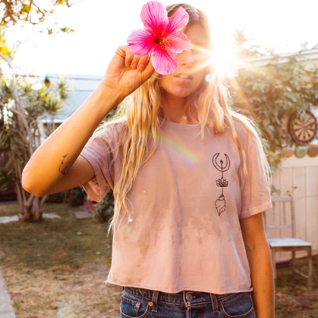 Beach Dreamer Plant Dyed Cropped T-shirt