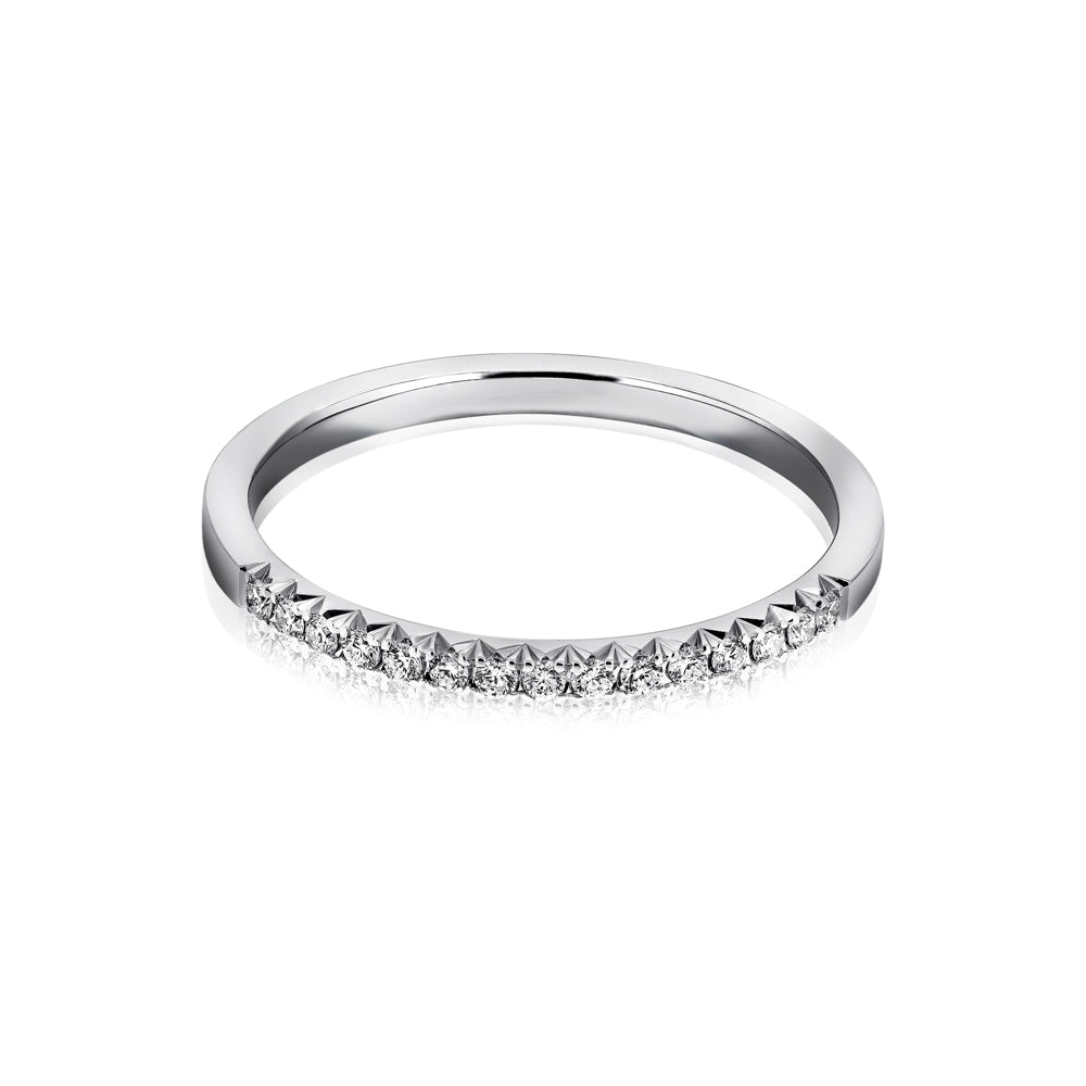 Fishtail diamond ring
