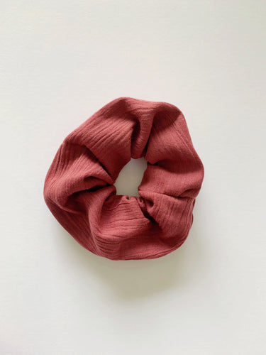 SANGRIA CHEESECLOTH SCRUNCHIE