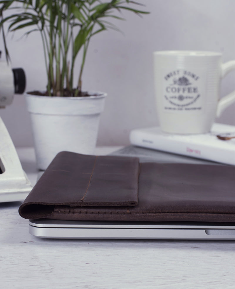 Compact genuine leather iPad case
