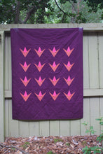 Load image into Gallery viewer, Starlight Lily Quilt