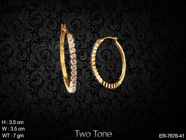 One line curve design ad diamond bali earring