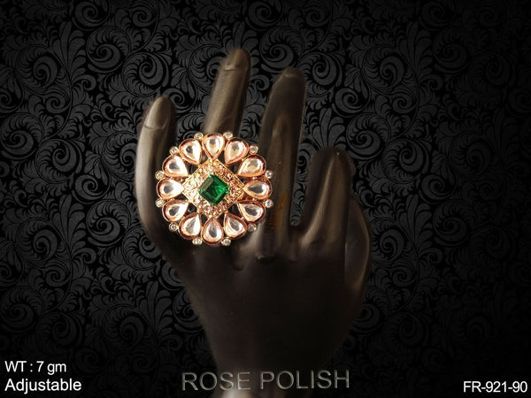 Square daimond with paan ad finger ring