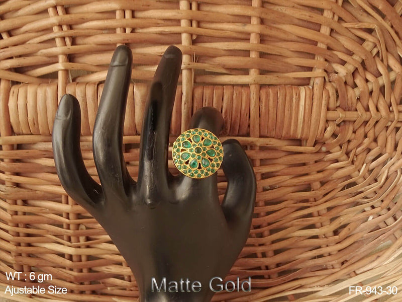 Full rani green stone antique finger ring