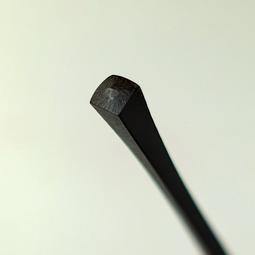 Ebony needles no. 711 detail