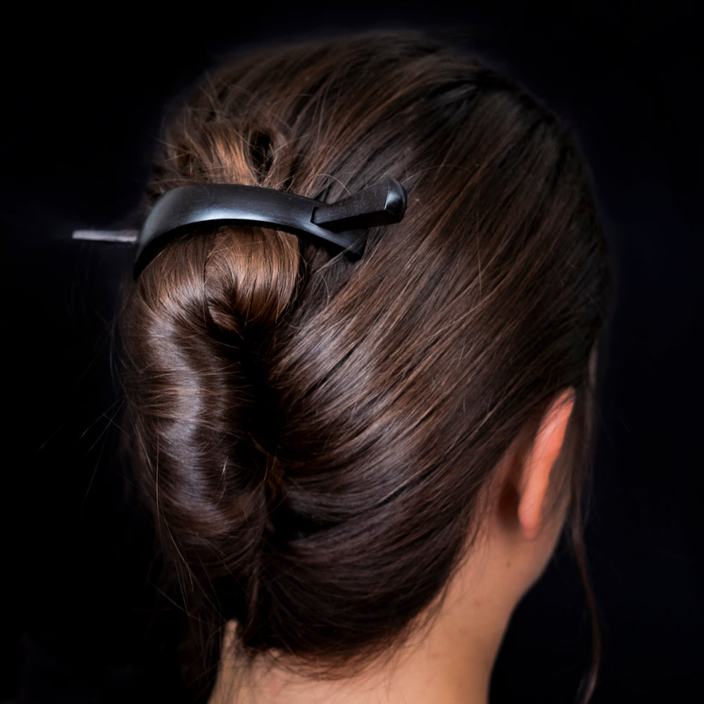 Ebony hair clip no. 780
