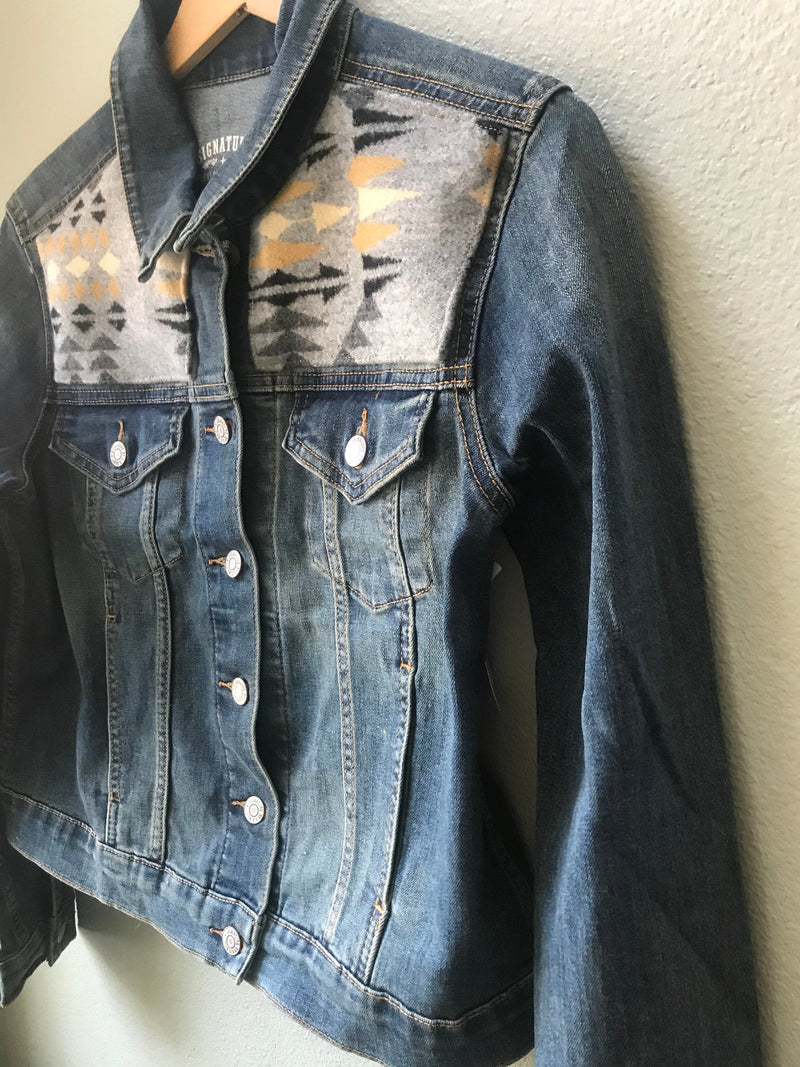 Denim Women's Levi's Size Large Vintage Native American Jean Jacket with Oregon wool - Cyndy Love Designs