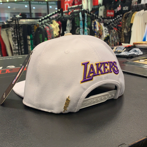 Pro Standard LA Lakers Gold Trim SnapBack