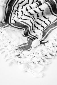 traditional Hirbawi black and white Palestinian shemagh