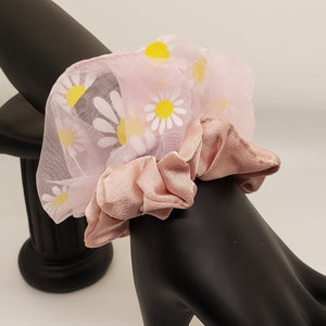 Light pink daisy and nude pink scrunchies