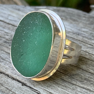 Big English Pale Green Ring