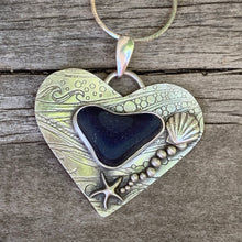 Load image into Gallery viewer, Heart of Davenport Pendant
